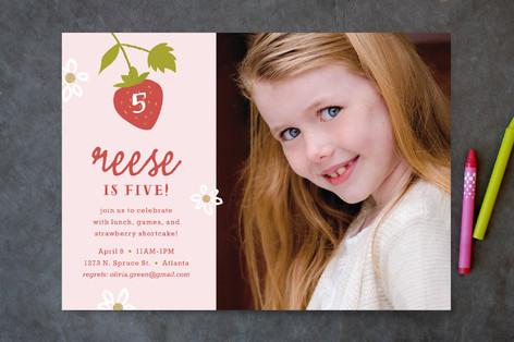 Strawberry Shortcake Children's Birthday Party Invitations