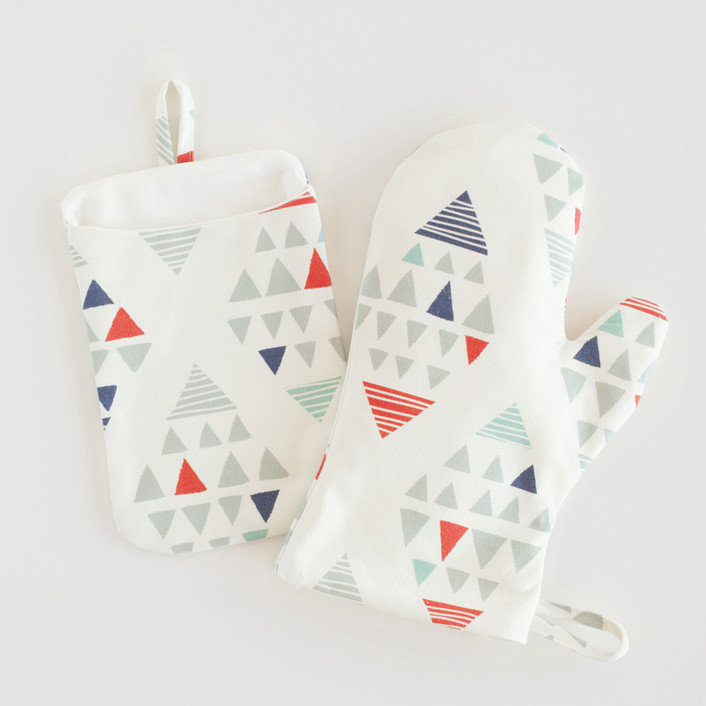 Tetrahedron Mitt & Pot Holder Set